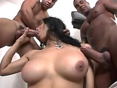 Tranny sucks dicks and gets blowjob