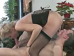 Guy and sexy tranny blow each other