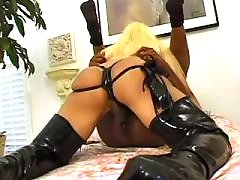 Hot shemale and guy fuck each other