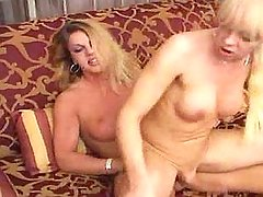 Funky shemale babe getting meaty cock