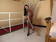 Brunette beauty Renata looks so innocent when things kick off in this video. Dont worry, shes not. Within moments shes running her f
