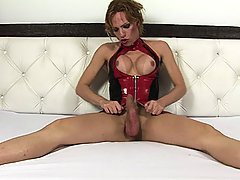 Shemale Alessandra Leite in hot latex